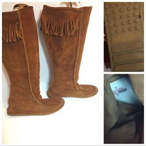 Minnetonka Fringe Leather BOHO Boots